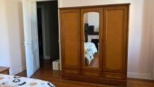 armoire merisier ( 20 ans) et table chevet