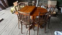 table  en pin massif avec rallonge et 7chaises  bois