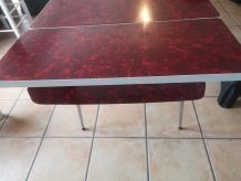 Table Formica rouge