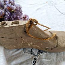 Anciennes formes de cordonnier en bois. 1 enfant 1 adulte