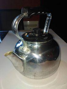 bouilloire en cuivre chromée
