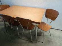 Table formica + 4 chaises coloris brun et blanc