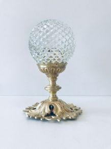 Plafonnier art déco allongé globe verre pointé de diamant