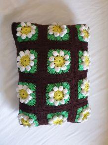 Lot de 2 coussins vintage au crochet.
