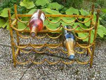 casier  a  bouteilles ancien  en  metal  ,  vintage