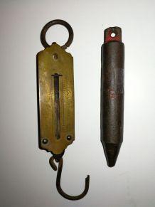 Ancienne balance de poche en laiton peson à ressort