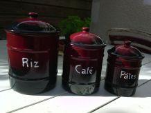 Série de 3 pots en fer émaillé