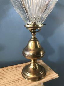 Lampe fleur 1960 vintage en métal doré et verre