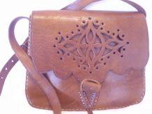Magnifique sac vintage en cuir épais en bon état