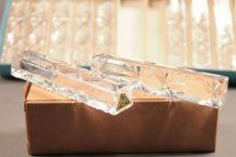 12 anciens porte couteau en cristal taillé
