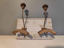 porte-manteaux et chapeaux 2 patères métal et bois courbé