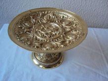Coupe ancienne sur piedouche en bronze