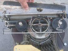Machine a écrire Hammond 1900