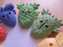 lots de 8 pinces formes de fruits a linges  en plastique dur