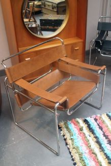 Fauteuil Wassily B3 cuir camel Marcel Breuer