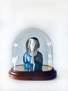 RESERVEE - Vierge en porcelaine sous globe ancien