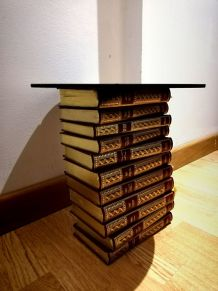 Table appoint anciens livres reliures