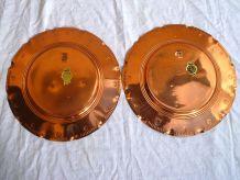 assiettes  decoratives  a suspendre en cuivre