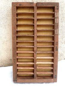 boite , casiers  industriels  , vintage