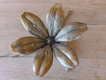 Cendrier Fleur en métal