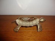 Ancienne petite tortue en laiton vide-poche ou cendrier