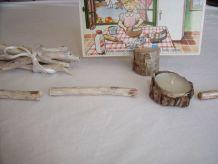 portes couteaux en bois peint, bougie et porte carte
