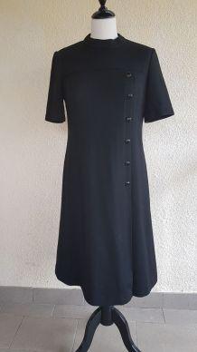 Petite robe noire manche courte