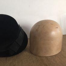 Forme à chapeau, accessoire de modiste