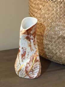 Vase porcelaine et biscuit peint à la main