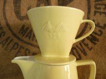 Très jolie cafetière en faïence Melitta 123