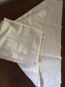 Paire taies oreiller anciennes en coton blanc.
