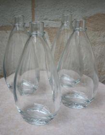 Lot de 4 flacons en verre, neufs