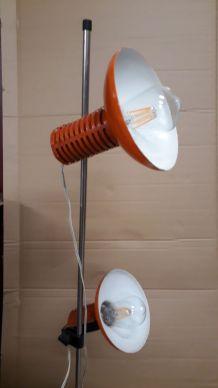 lampadaire orange typique 1970