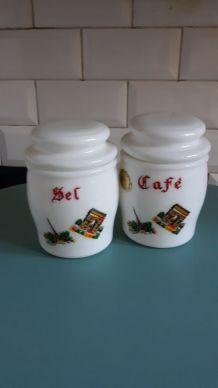 2 pots de cuisine  1960 en opaline Egizia Italie