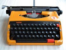 Machine à écrire mécanique portative Brother Deluxe 262TR -