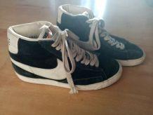 Basket Nike bleu marine vintage