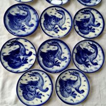 Assiettes anciennes décor  bleu