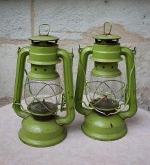 LOT DE 2 LAMPES A PETROLE