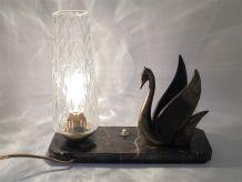 Lampe sur marbre, décor cygne