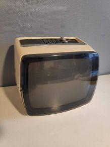 télévision vintage Téléavia PA 312 blanche