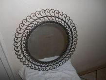 ancien miroir en fer forgé