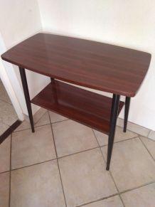 TABLE TV EN FORMICA VINTAGE