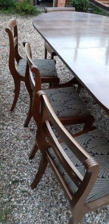 Grande table et ses 8 chaises
