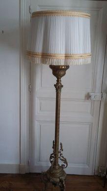 Lampadaire en laiton fin XIXème