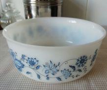 Plat Arcopal Fleurs bleues