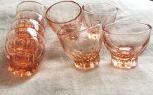 Ensemble de verres à liqueur  vintage
