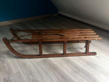 Luge en bois vintage