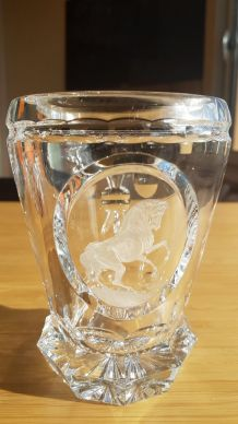 Vase en cristal de Bohême signé Goda