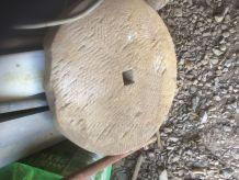 ancienne pierre de meule