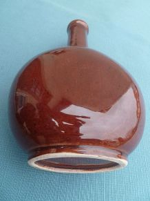 bouteille, carafe  en ceramique  brune , vintage